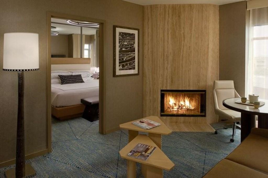 Hotel Zoe Suite w Fireplace