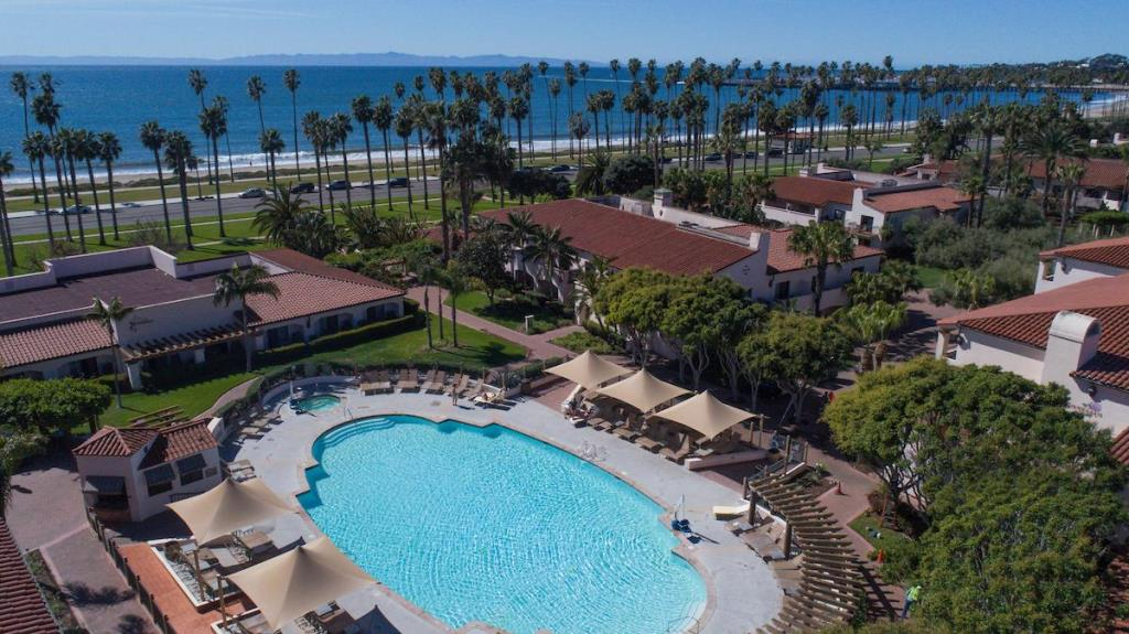 Hilton Santa Barbara Beachfront Hotel pool
