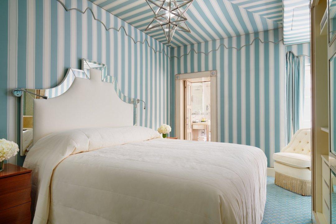 Kensington Gardens Residence Five-Star Milestone Hotel