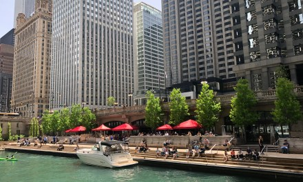 River Cruise Showcases Chicago's Gems