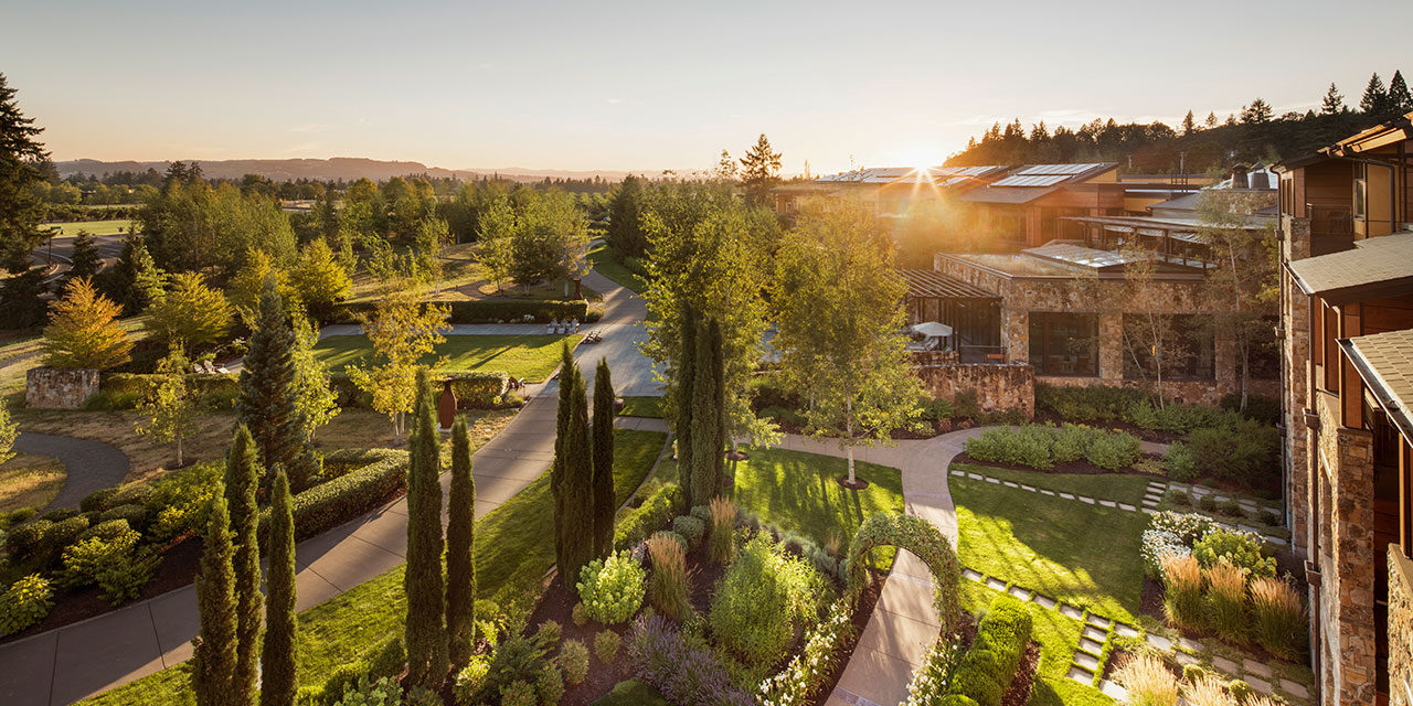 Oregon's Allison Inn & Spa hosts wine auction