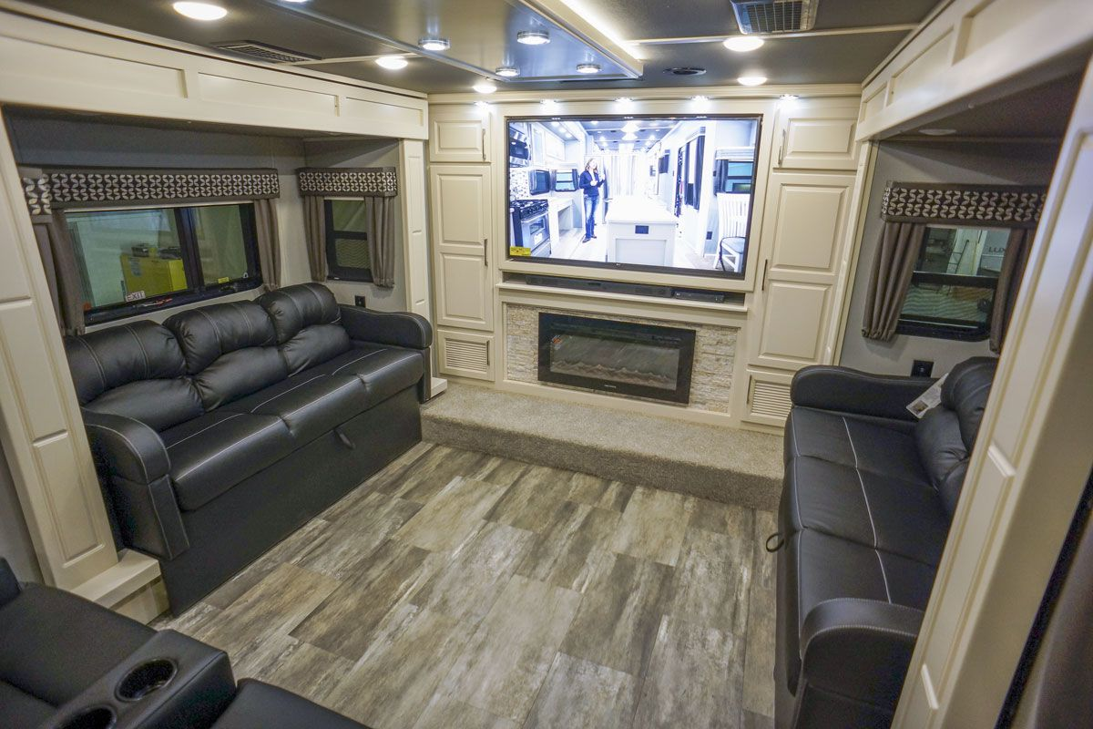 Sold 2020 Luxe Elite 44fl Front Living Fifth Wheel 10200