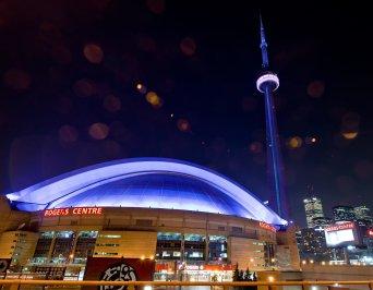 LuxeGetaways_Toronto-Tourism_CN Tower