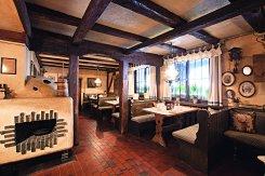 LuxeGetaways_Traube-Tonbach-Hotel_Bauernstube
