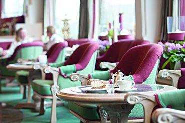 LuxeGetaways_Traube-Tonbach-Hotel_Hall