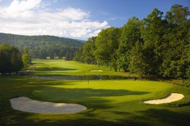 Omni_Homestead_LuxeGetaways_Golf1