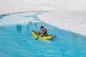 glacier-kayaking-2