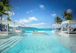oneonly-hayman-island-aquazure-pool-1