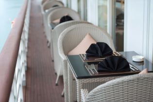 LuxeGetaways - Luxury Travel - Luxury Travel Magazine - Luxe Getaways - Luxury Lifestyle - Paradise Elegance Vietnam - River Cruise - Le Marin Restaurant