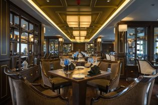 LuxeGetaways - Luxury Travel - Luxury Travel Magazine - Luxe Getaways - Luxury Lifestyle - Paradise Elegance Vietnam - River Cruise - Dining