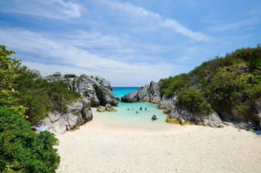 LuxeGetaways - Luxury Travel - Luxury Travel Magazine - Bermuda Tourism - America's Cup - Oracle Team USA - Beach
