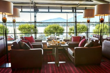 LuxeGetaways - Luxury Travel - Luxury Travel Magazine - Geneva City Guide - Geneva Switzerland - Swiss Tourism - Kempinski Geneva - Lounge