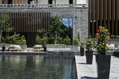 LuxeGetaways_Chedi-Andermatt_Slimming-Wellness-Retreat_Courtyard-summer