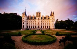 LuxeGetaways_Chateau-Challain_Loire-Valley_luxury-villa-rentals_over-the-top-luxury-villas