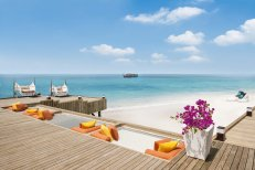 LuxeGetaways_Jumeirah-Vittaveli_Royal-Residence_luxury_Beach_sandy-beach