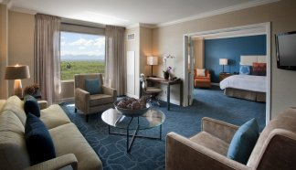 LuxeGetaways_JW-Marriott-Denver-Cherry-Creek_One-Bedroom-Suite