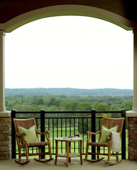 LuxeGetaways - Luxury Travel - Luxury Travel Magazine - Luxe Getaways - Luxury Lifestyle - Wine Tastings - Winery - Northern Virginia Wineries - Lansdowne Resort and Spa - Northern Virginia - Patio