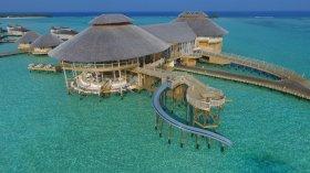 LuxeGetaways - Luxury Travel - Luxury Travel Magazine - Luxe Getaways - Luxury Lifestyle - Luxury Villa Rentals - Affluent Travel - Soneva Jani Water Villas - Medhufaru Island - Republic of Maldives - slide