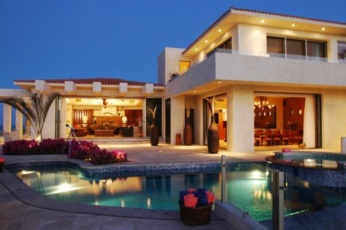 LuxeGetaways - Luxury Travel - Luxury Travel Magazine - Luxe Getaways - Luxury Lifestyle - Luxury Villa Rentals - Villas with Forever Views - Luxe Villas - Luxury Rentals - Mexico - Villa Penasco - Pedregal - Cabo San Lucas - Pool
