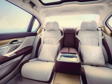 LuxeGetaways - Luxury Travel - Luxury Travel Magazine - Luxe Getaways - Luxury Lifestyle - BMW - BMW Individual - Luxury Cars - Luxury Auto - Nautor's Swan - BMW M760 - Luxury Backseat