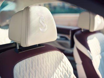 LuxeGetaways - Luxury Travel - Luxury Travel Magazine - Luxe Getaways - Luxury Lifestyle - BMW - BMW Individual - Luxury Cars - Luxury Auto - Nautor's Swan - BMW M760 - Luxury Seats