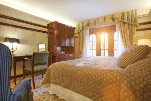 ALH_Shehereade_bedroom_03