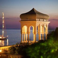 LuxeGetaways - Luxury Travel - Luxury Travel Magazine - Luxe Getaways - Luxury Lifestyle - Luxury Villa Rentals - Villas with Forever Views - Luxe Villas - Luxury Rentals - Croatia - Villa Sheherezade - Dubrovnik - Garden at night