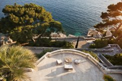 LuxeGetaways - Luxury Travel - Luxury Travel Magazine - Luxe Getaways - Luxury Lifestyle - Luxury Villa Rentals - Villas with Forever Views - Luxe Villas - Luxury Rentals - Croatia - Villa Sheherezade - Dubrovnik - Garden