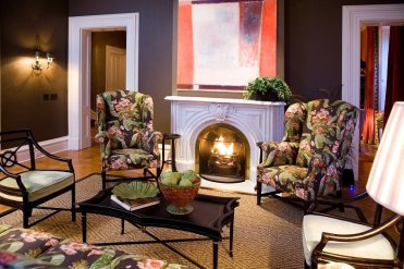 LuxeGetaways - Luxury Travel - Luxury Travel Magazine - Luxe Getaways - Luxury Lifestyle - Fall Travel Packages - Autumn Travel - Inns of Aurora - Finger Lakes New York