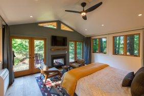 LuxeGetaways - Luxury Travel - Luxury Travel Magazine - Luxe Getaways - Luxury Lifestyle - Washington State Travel - Skamania Lodge - Adventure Travel