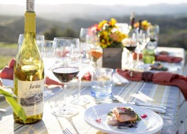 LuxeGetaways - Luxury Travel - Luxury Travel Magazine - Luxe Getaways - Luxury Lifestyle - Bespoke Travel - Winery - Summertime Wines