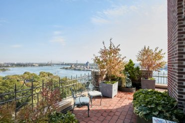LuxeGetaways - Luxury Travel - Luxury Travel Magazine - Luxe Getaways - Luxury Lifestyle - Bespoke Travel - NYC Real Estate - Irving Berlin - Penthouse Condo