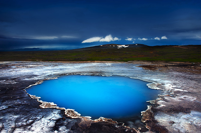 Top 10 Reasons to Go to Iceland This Spring