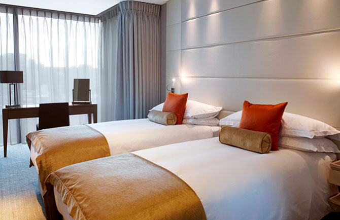 Cheval Three Quays Lavish Accommodation with Spectacular Views 4