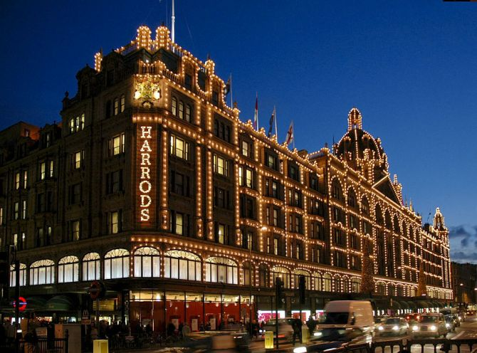 Five Experiences When Visiting London for the First Time Harrods