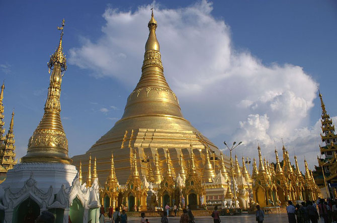 Top 10 Magnificent Temples in Asia Shwedagon Pagoda Yangon Myanmar