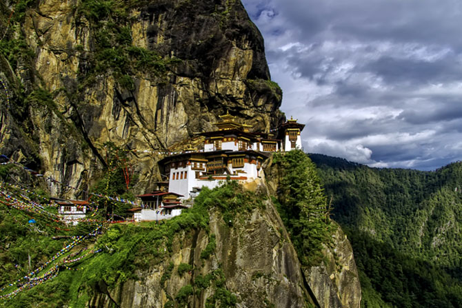 Top 10 Magnificent Temples in Asia Taktsang Dzong Tigers Nest Bhutan