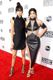 Kendall and Kylie Jenner in Bryan Hearns - Frazer Harrison - Getty Images