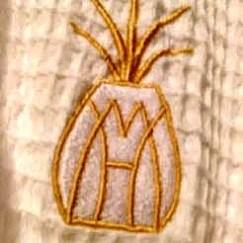 Marshall House Emblem - The Luxe Lookbook