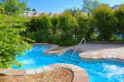 The year-round hot tub at Le Bonne Entent