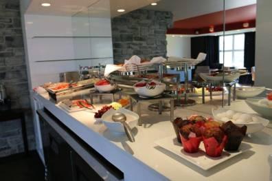Club lounge breakfast at Le Bonne Entente