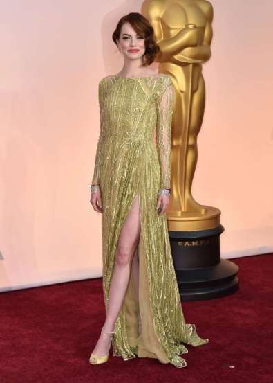 Emma Stone trong đầm Elie Saab Haute Coutre, giày Christian Louboutin