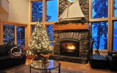 christmas_tree_fireplace_furniture_abstract_hd-wallpaper-1243640
