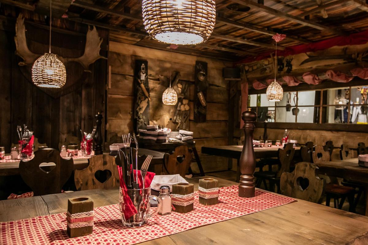 Pop up chalet style restaurant le chalet by mandarin for Cuisine style chalet