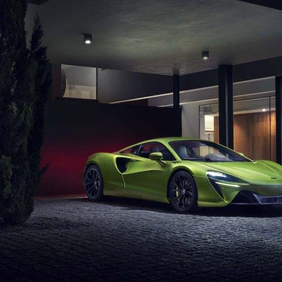 LuxExpose McLaren_Artura_Supercar 16