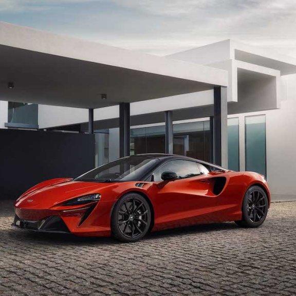 LuxExpose McLaren_Artura_Supercar 20