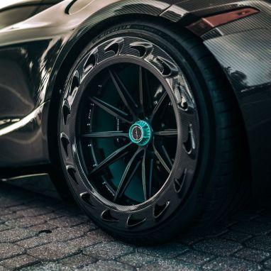 1016 Industries Revolutionizes Exotic Car Design with Carbon Fiber McLaren 720S