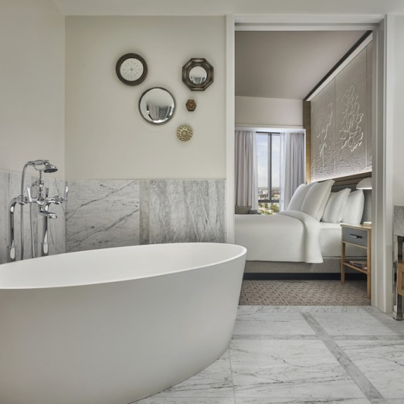 LuxExpose Four_Seasons_Hotel_Private_Residences_New_Orleans_11