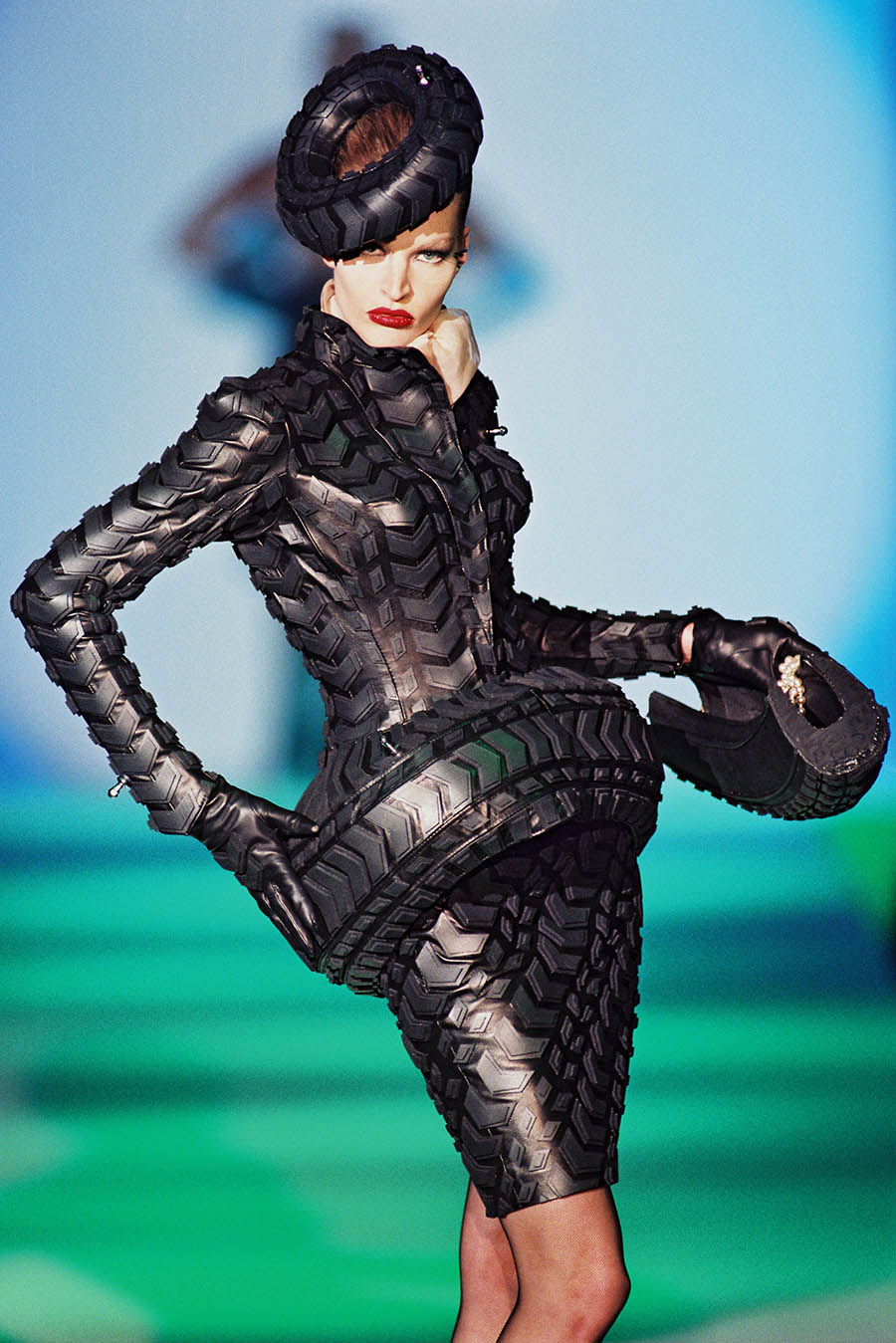 Informative Image of Thierry Mugler's 1997 Haute Couture