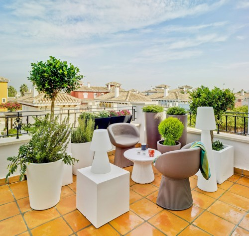 new garden pufy table 1